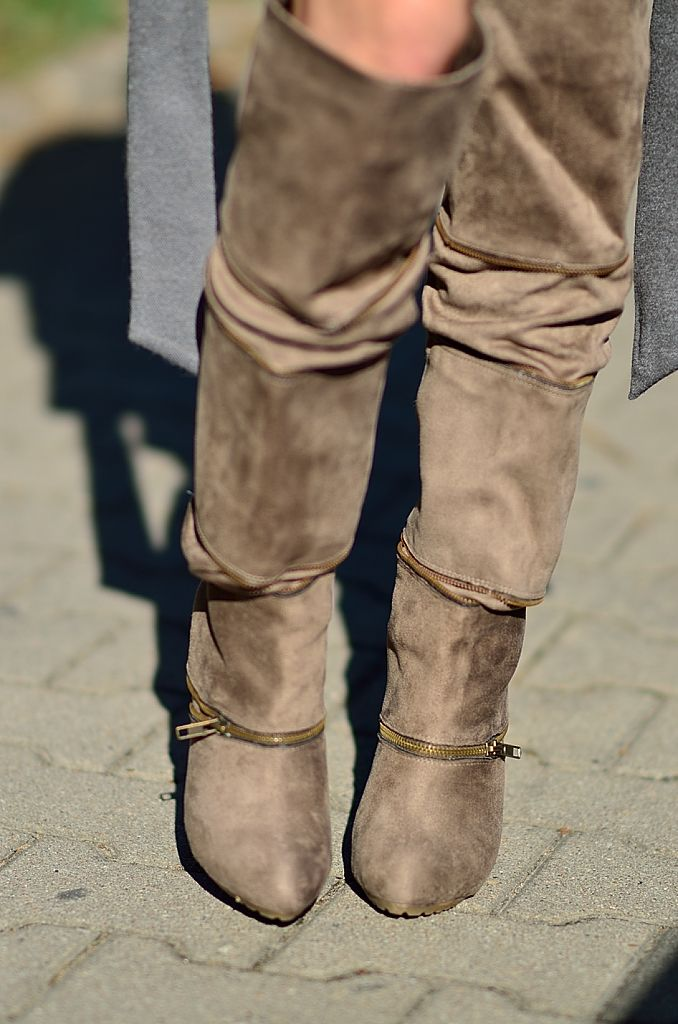 Jasno Bezowe Kozaki Ukosne Zamki Boots Ugg Boots Shoes
