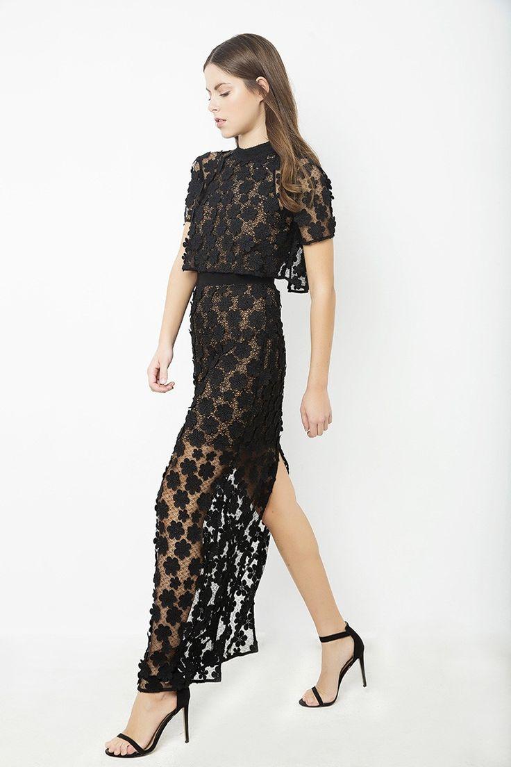 Κοντομάνικο μακρύ φόρεμα από δαντέλα - Φορέματα - Shop