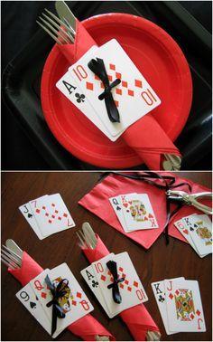Decoracion de mesa con cartas para fiesta de 15.#FiestaDe15