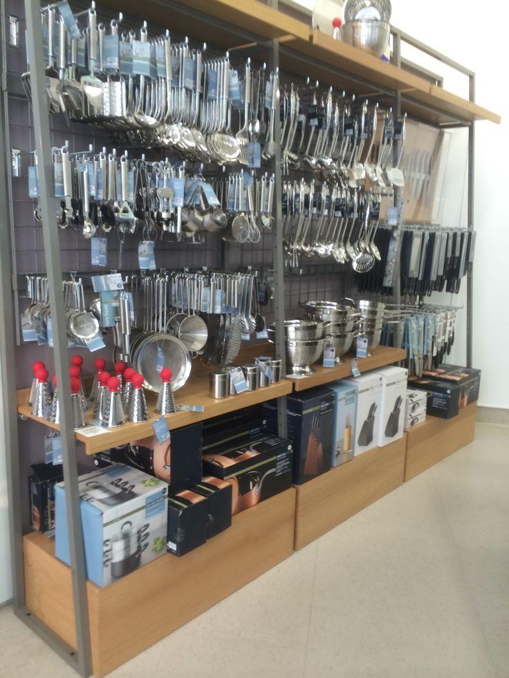M Glass Retail Centre Shelving