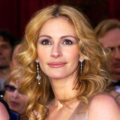 Julia Roberts, 2004  At the Oscars, her major glow (and her roots!) revealed that she was pregnant with twins Hazel and Finn.