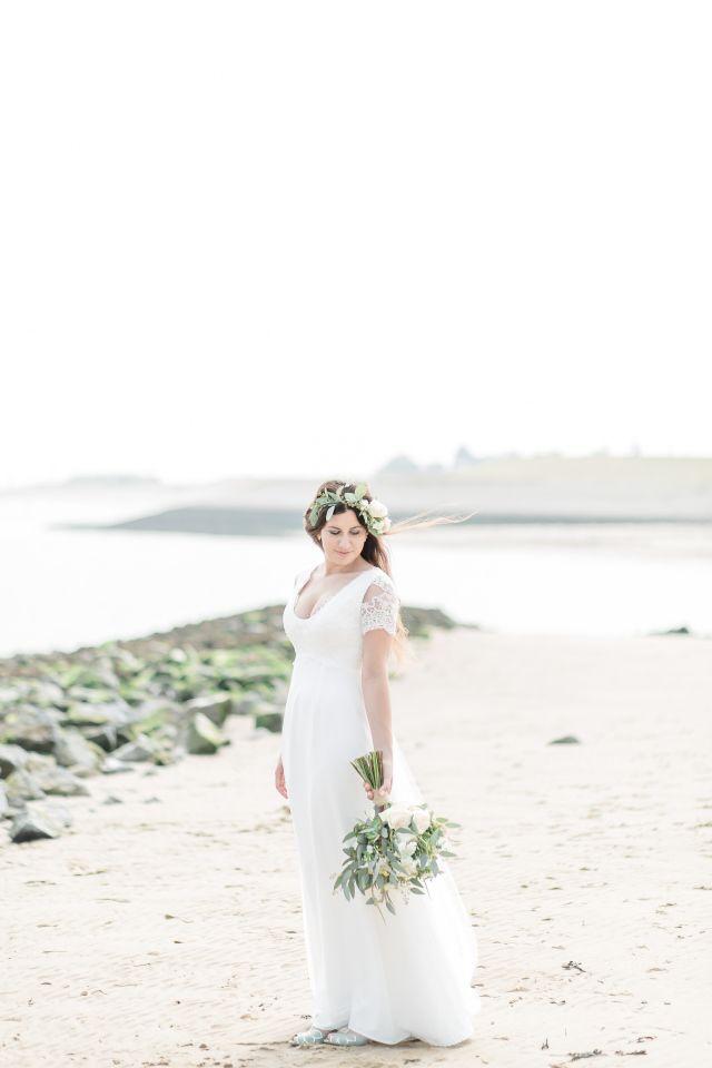 Credit: Jessica Fotografie - huwelijk (ritueel), bruid, vrouw, natuur, zomer, mode, buitenshuis, liefde, hoofddeksel, strand (kust), bruidegom, hemelgewelf, jurk, meisje, romance (relatie), huwelijk (burgerlijke staat), sunshine (weer)