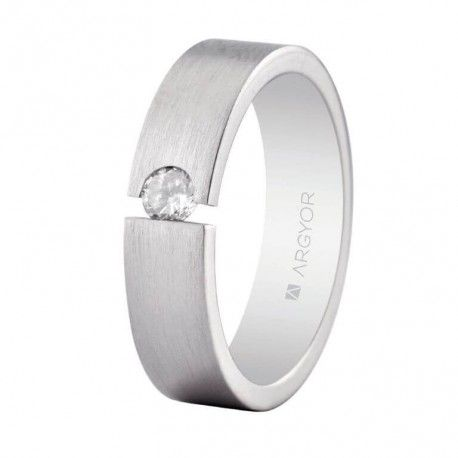 Precioso anillo de boda en plata perfecto como alianza de boda original o anillo de compromiso solitario. Una alianza sencilla con circonita brillante de Argyor (5755156N)