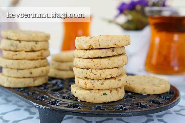 Parmesanlı Tuzlu Kurabiye Tarifi | Kevserin Mutfağı - Yemek Tarifleri