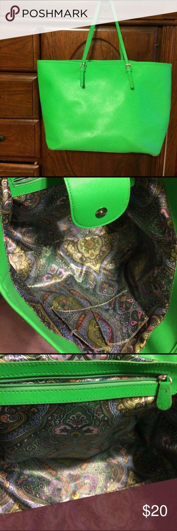 Large green shoulder purse/ tote Carried once! No brand marked shoulder straps Bags Shoulder Bags