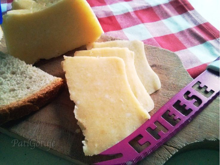 Domowy ser żółty / Homemade cheese