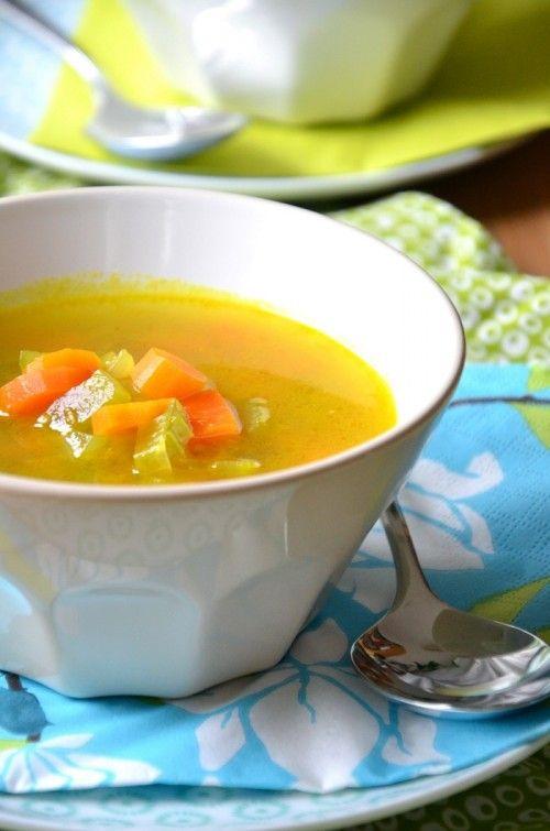 Zöldségleves sárgarépával és zellerrel