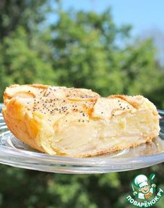 """Яблочно-творожный пирог """"Оборванец"""" Люблю нежной любовью яблочные пироги и при каждом удобном случае пробую новый рецепт. Нашла рецепт в своей тетради - если автор узнает свой рецепт - спасибо ему! Немного переделала - пирог получается очень и очень нежным, тесто и яблоки сливаются в единое целое - для любителей влажных пирогов - самое то! Аромат корицы и яблок, творог и едва уловимый вкус мака - пробуем?"""