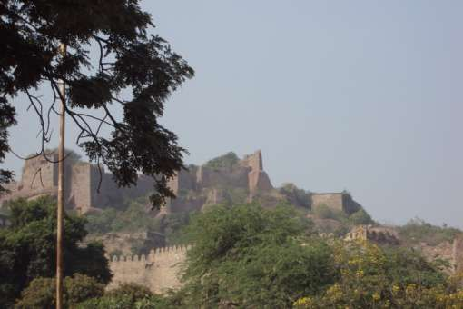 #RevisitHistorywithFujifilm golconda fort,Andhra Pradesh  The fort was first built in the 13th century during the Kakatiya dynasty.  It was built as a mud fort then. It was in the 16th century under the Qutb Shahi dynasty that it was fortified and a 7 km long outer wall made of granite was built. Golkonda was also a major centre for diamond trade in those days. These included the Kohinoor, Darya-e-noor, Regent 'n Hope diamonds...
