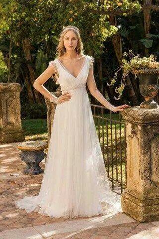 Vestido de noiva, lindo e delicado.