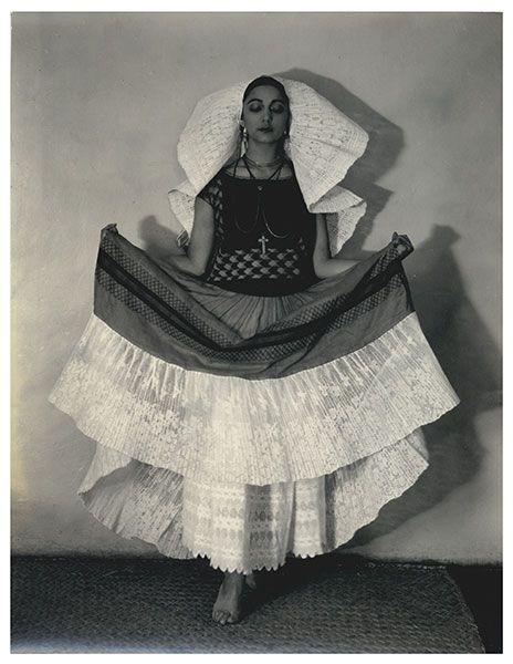 Beautiful Mexican Woman Rosa Covarrubias vestida de tehuana. - Edward Weston