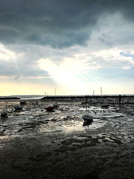 Le port de Châtelaillon-plage à marée basse