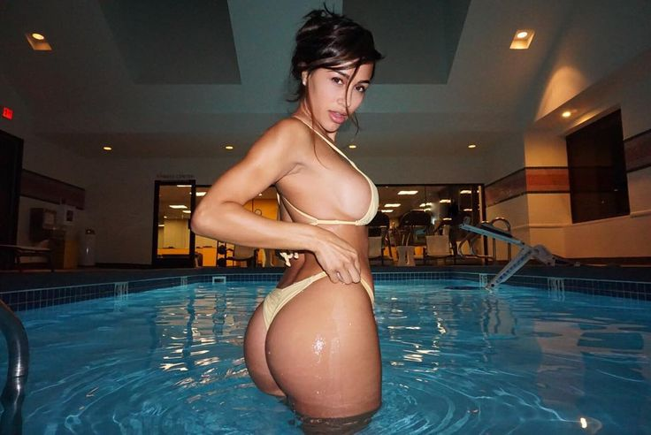 Fast paced slide shows with the hottest girls of Instagrram. Beautiful Ana Cheri - Queen of Instagram. Click for instant loading!