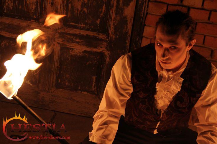fire show, fire dance, fire juggler, fire juggling,fire staff, vampire makeup , feuertanz