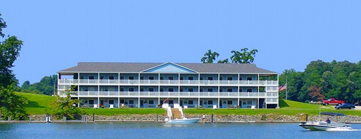 Hotel on Smith Mountain Lake