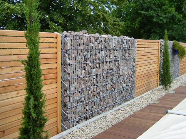 15 Impressive Ideas on How to Build a Privacy Stone Walls or Fences In Outdoor - Top Inspirations