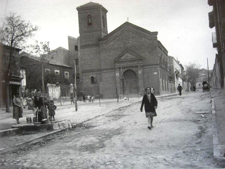 Iglesia del Dulce Nombre de María en el barrio de Doña Carlota. 1928