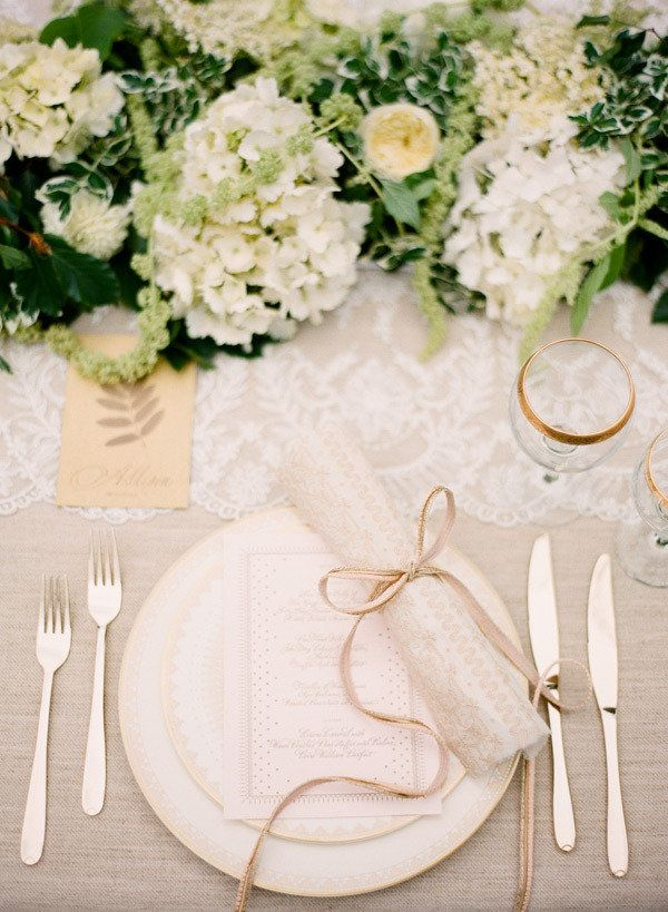 This place setting is absolutely divine! Photography by ktmerry.com, Styling by styleserendipity.com, Floral Design by bestofbudsflorists.com