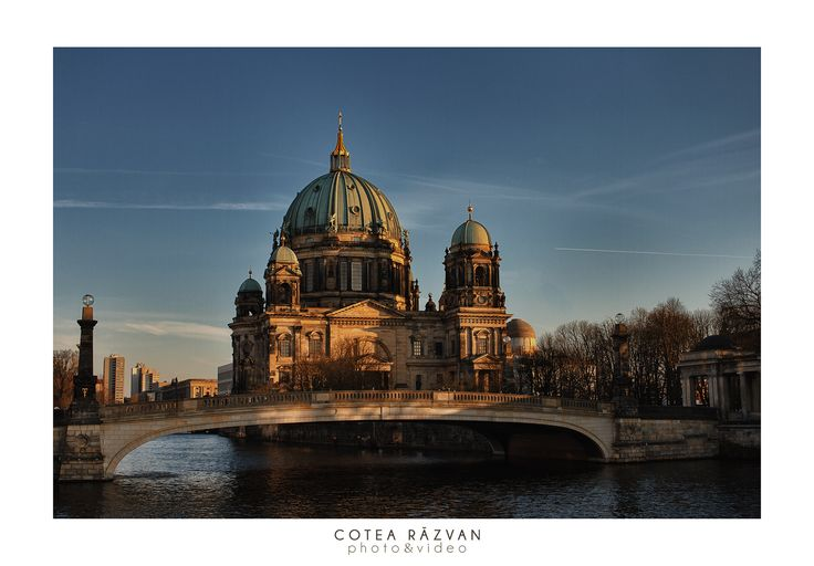 #berlin #sunset #trip   https://www.facebook.com/fotonuntabucuresti/