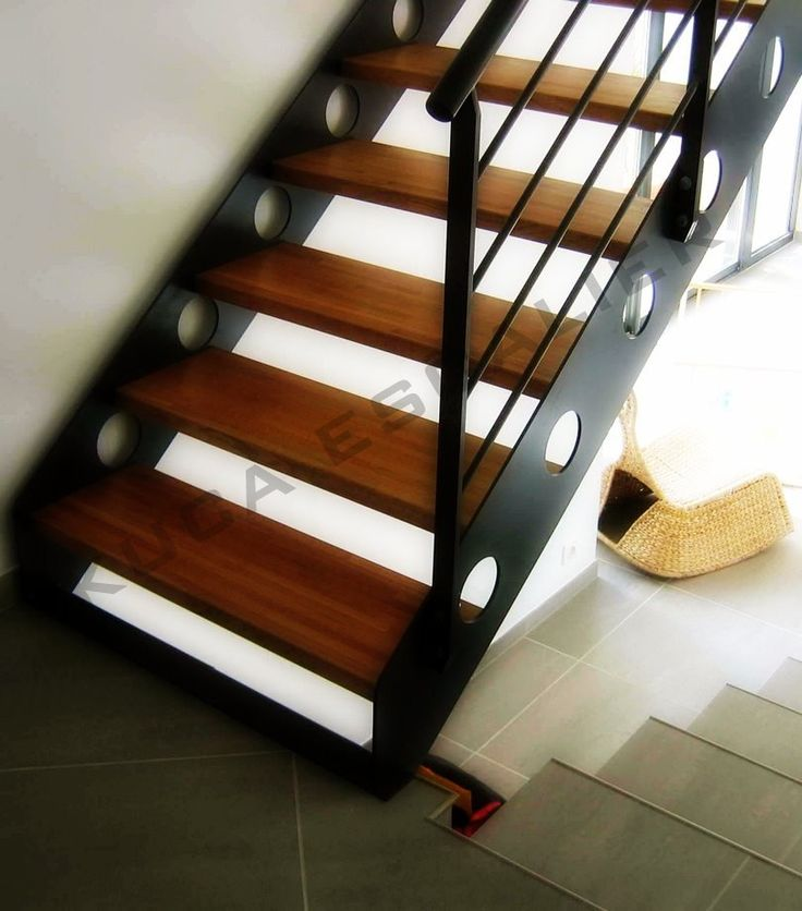 17 meilleures id es propos de escalier m tallique sur for Type d escalier interieur