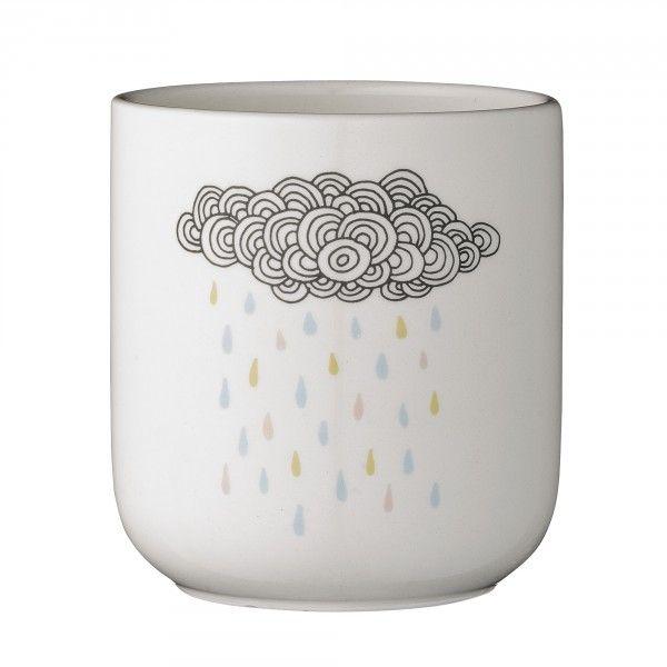 <p>Cache-pot Rainfall en porcelaine blanche avec le dessin d'un joli nuage et de gouttes multicolores dans les tons pastels, design Bloomingville. Pour une douce ambiance de maison et metrre en valeur vos plantes vertes . On aime sa douceur et son prix mini !</p>