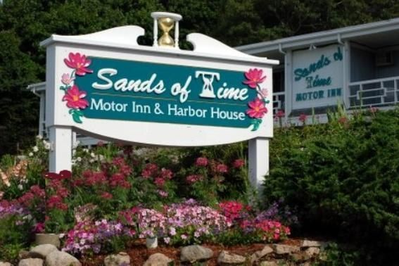 Sands Of Time Motor Inn & Harbor House - 3 Star #Motels - $90 - #Hotels #UnitedStatesofAmerica #WoodsHole http://www.justigo.us/hotels/united-states-of-america/woods-hole/sands-of-time_111698.html