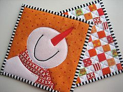 Adorable Pot Holders! put these two together for a cute mug rug.. soooo cute
