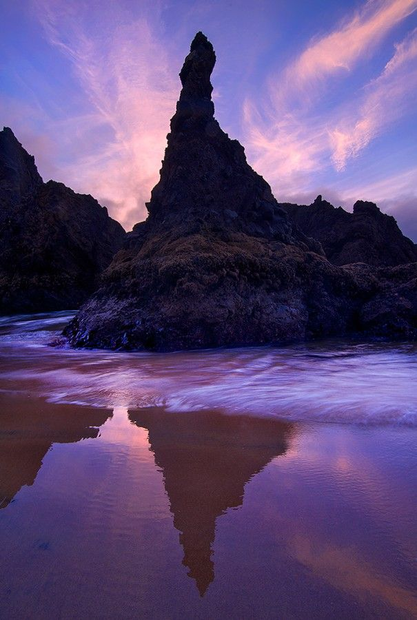 ~~The Pinnacle • rock stack, Lincoln City, Oregon • by Rick Lundh~~