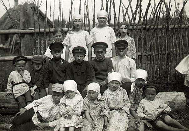 Группа детей. Водь. 20-е гг. XX в. Фонды РЭМ.