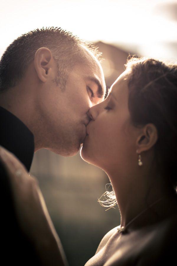 Photo des mariés en contre-jour