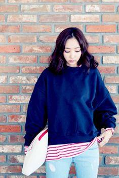 Today's Hot Pick :ルーズスウェットプルオーバー・トレーナー http://fashionstylep.com/SFSELFAA0006344/aurajjp/out ルーズシルエットプルオーバー。 デザインはシンプル&ベーシックなタイプで、着まわし力◎ 旬なタイトスカート・ペンシルスカートとのあわせが◎ スキニーとの合わせも◎アレンジ豊富です♪