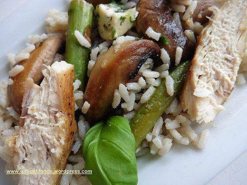 Spargel mit Hühnerbrust, Reis und Champignons #foodiesRezepte #foodblog #Food #Rezept