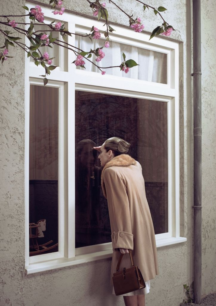 Erwin Olaf. Outside looking in.