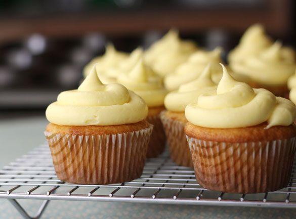 Pineapple Cream Cheese Cupcakes - yum! / www.WildCanadaSalmon.com #salmon #smokedsalmon