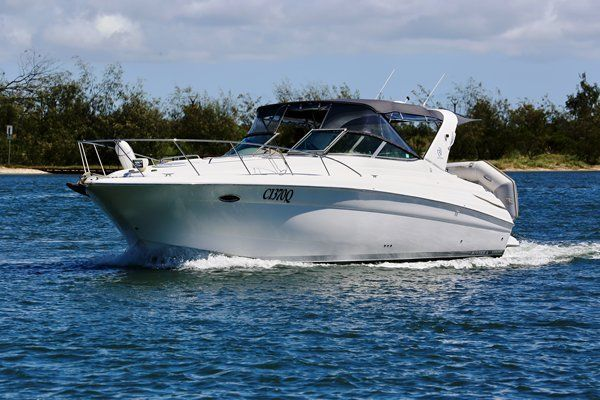 The RIVIERA M370 is a very popular sports cruiser & represents good value for money. The wide 13' beam offers a stable