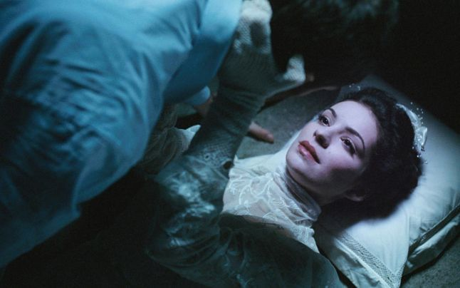 """""""Domnişoara Christina"""", frumuseţe şi horror în aceeaşi ecuaţie"""