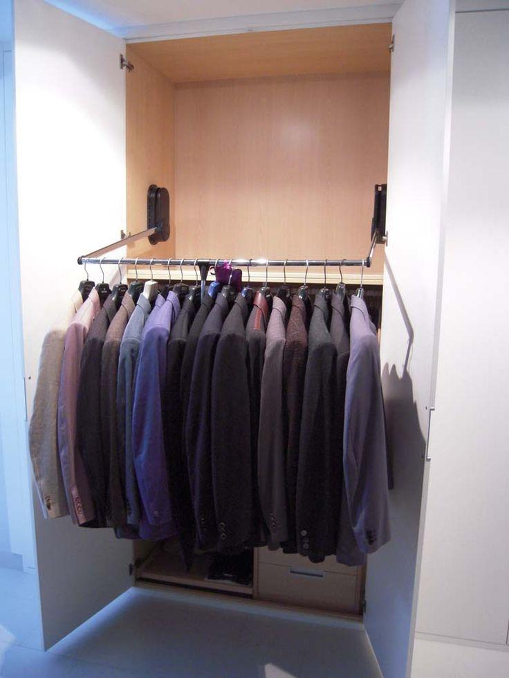 Best 25 interiores de armarios empotrados ideas on for Armarios empotrados