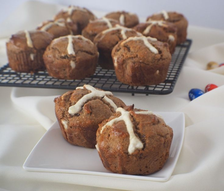 You don't have to miss out on Easter traditions just because you are eating healthy wholefoods. These scrumptious Hot Cross buns can be made traditionally with sultanas or chocolatey using healthy dark chocolate.