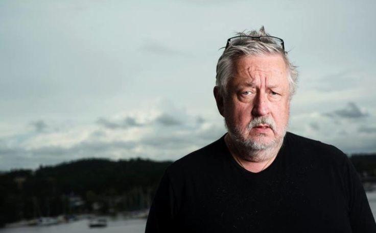 """Leif GW Persson berättar om Facebook-sidan GW Reagerar: """"Jag skrattar högt"""""""