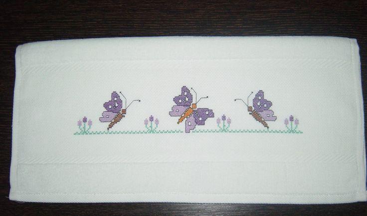 Kelebek Desenli Havlu