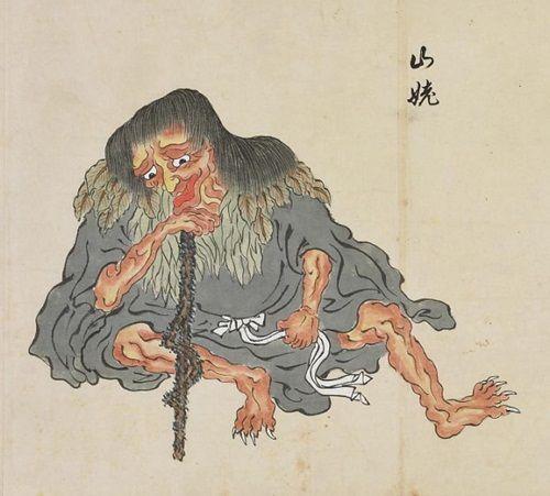 La leyenda japonesa de Yamamba (Yoma-uba) es una de esas leyendas que siguen teniendo presencia en la cultura japonesa. Un ser horrible capaz de devorar de un bocado a los caminantes extraviados en caminos y montañas. Cuentan que este ser no es más que un alma atormentada fruto de los abandonos de ancianos que se sucedieron en Japón en épocas de hambruna. Otros aseguran que es un viejo demonio de la mitología japonesa que habita en el fondo de las montañas. Es capaz de cambiar su aspecto…