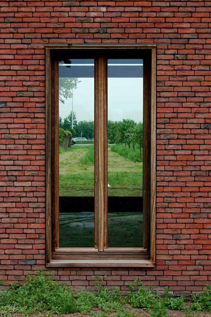 Facing brick: Vande Moortel Nature Paars-rood Design: KNAP architecten