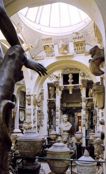 Sir John Soane's Museum / A Perfect Day in London / Reality and Retrospect