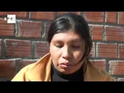 Los indígenas bolivianos que han caminado dos meses en defensa de la reserva natural Tipnis aplazaron hasta este miércoles su entrada a La Paz, para que su marcha no sea ligada al motín policial, e invitaron al Gobierno de Evo Morales a dialogar hoy a las puertas de la ciudad.