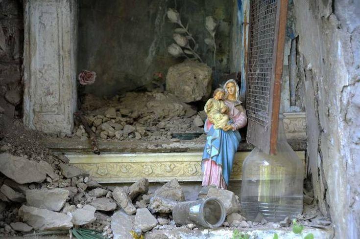 Au milieu de la désolation un signe d'espoir, tout simple, est apparu Les images vues dans les médias montrant les dégâts causés par le tremblement de terre qui a frappé en août 2016 le centre de l'Italie sont terribles. Des villages comme Amatrice ont été presque rayés de la carte.