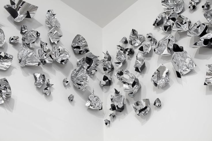 Judy Darragh, Mirror Bloom, 2014