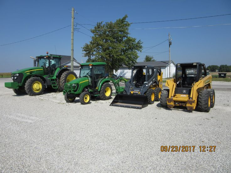 John Deere equipment r-l:260 & 314G skid steer loaders,3320 cab tractor & 180hp 7930