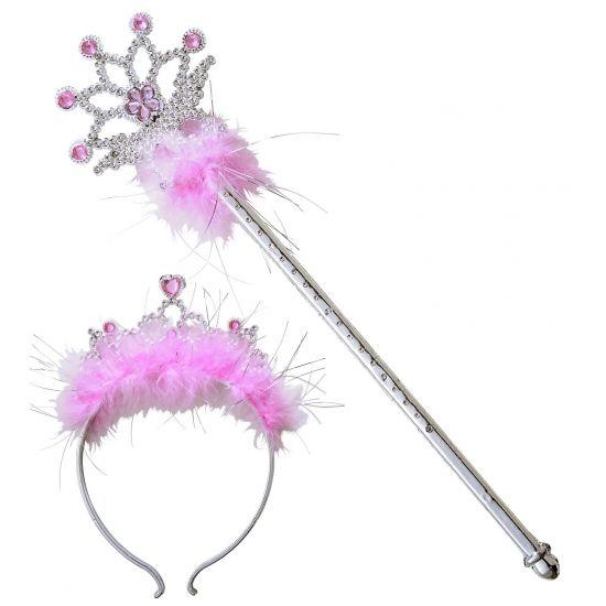 Prinsessen tiara en toverstafje. Deze schattige prinsessen tiara en toverstafje zijn afgezet met roze steentjes en veren voor een echte prinsessen uitstraling! Het materiaal van de tiara en het toverstafje is plastic en de lengte van het stafje is 35 cm. Geschikt voor kinderen.