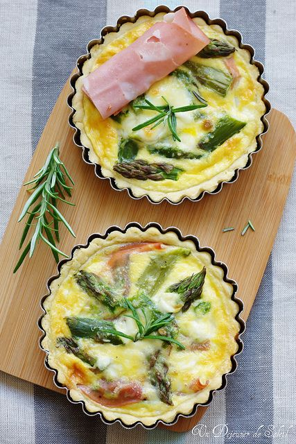 What is a picnic without asparagus quiche? Pointless, that's what. I use frozen pastry from the supermarket for my quiches. #picnic