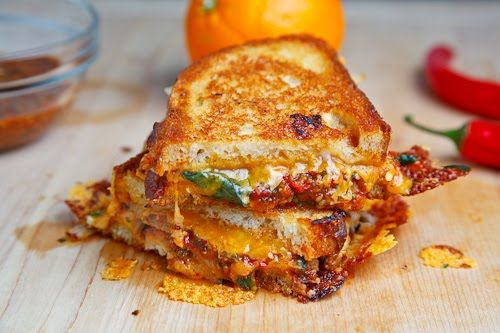 Sweet Chili Chicken Grilled Cheese SandwichGrilledcheese, Grilled Chees Sandwiches, Food, Chicken Grilled, Grilled Cheese Sandwiches, Sweets Chilis Chicken, Closets Cooking, Sandwiches Recipe, Grilled Cheeses